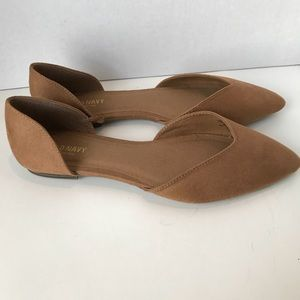 Old Navy Shoes Flats 9 tan Pointy Toe Faux Suede